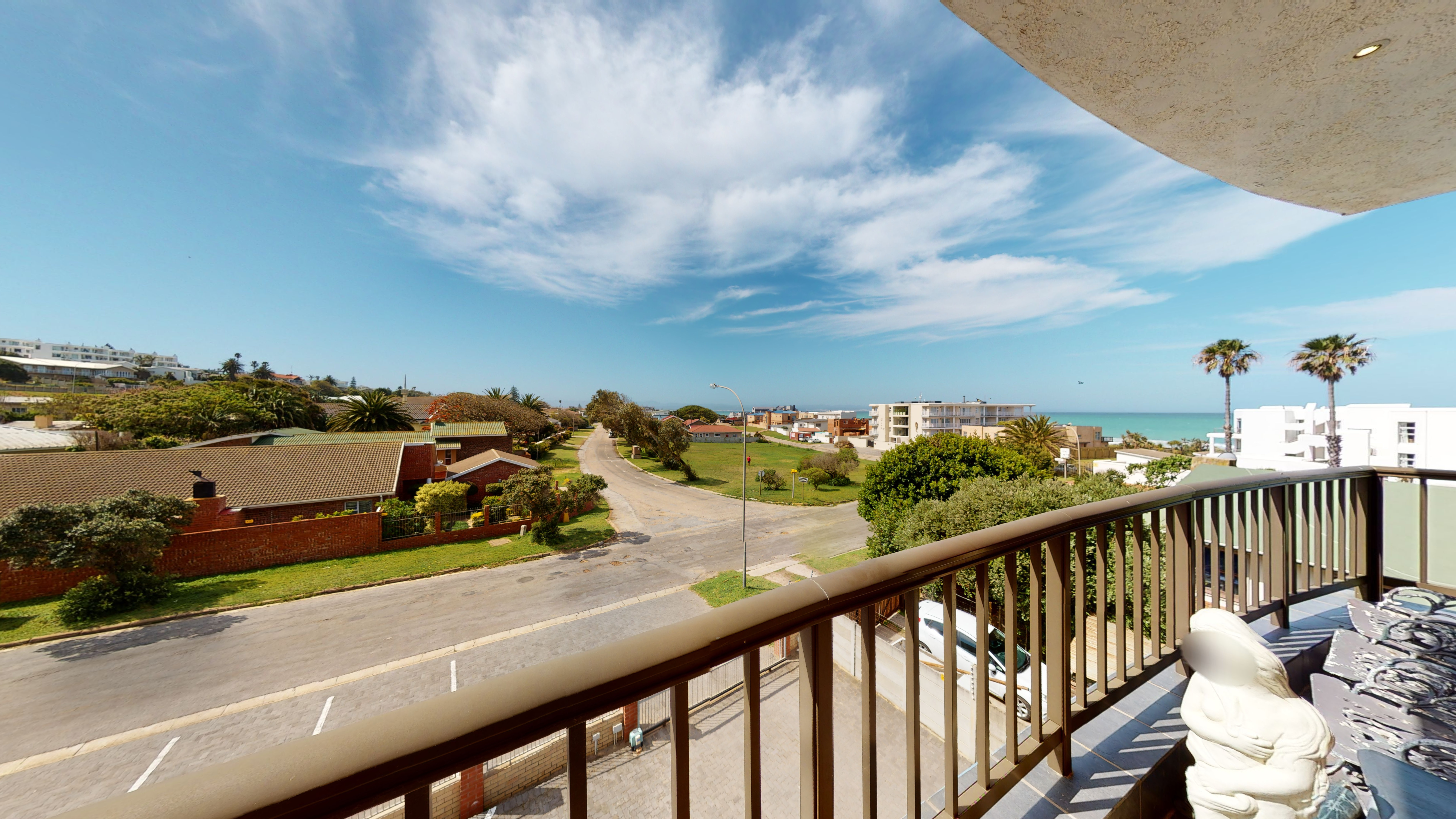 Milieu 2000 - 3 Bedroom Apartment For Sale in Jeffreys Bay Central